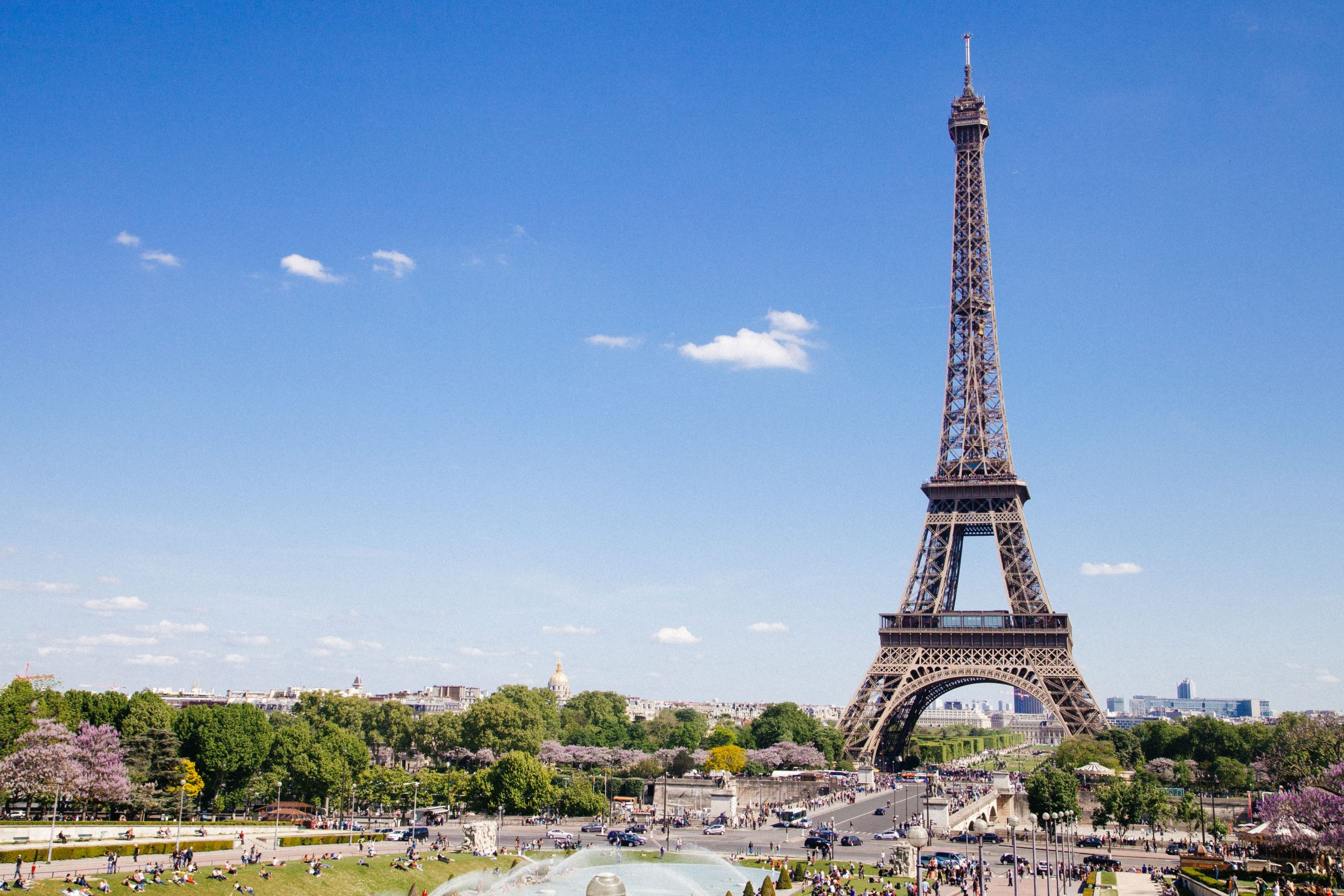 Your guide to visiting the Eiffel Tower from Disneyland Paris using RER A and Metro 6 from Marne La Vallee